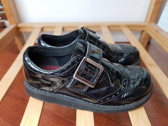 Clarks black patent school shoes 9E