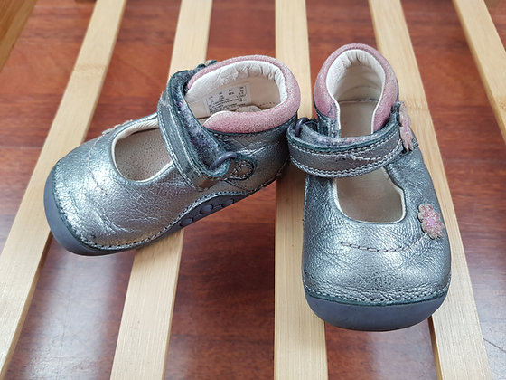 Clarks silver shoes UK 3H