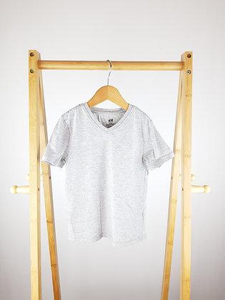 H&M grey t-shirt 4-6 years