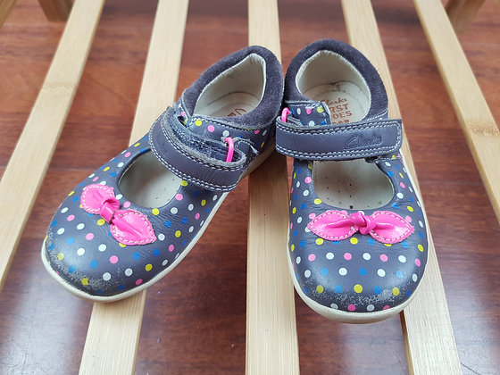 Clarks spotted shoes UK 4.5E