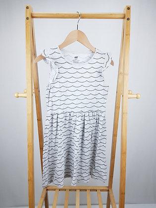 H&M wave pattern dress 8-10 years