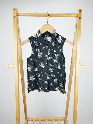H&M floral sleeve less blouse 9-10 years
