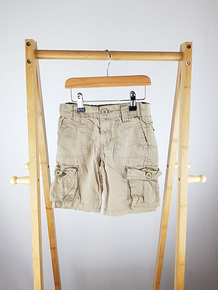 Beige shorts with pockets 4 years