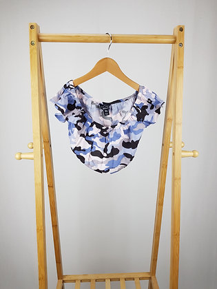 New Look camouflage crop top  9 years