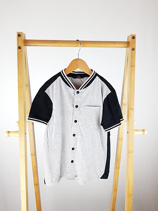 George grey buttoned t-shirt 7-8 years