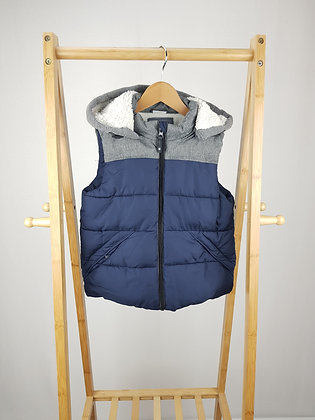 F&F navy padded bodywarmer 6-7 years