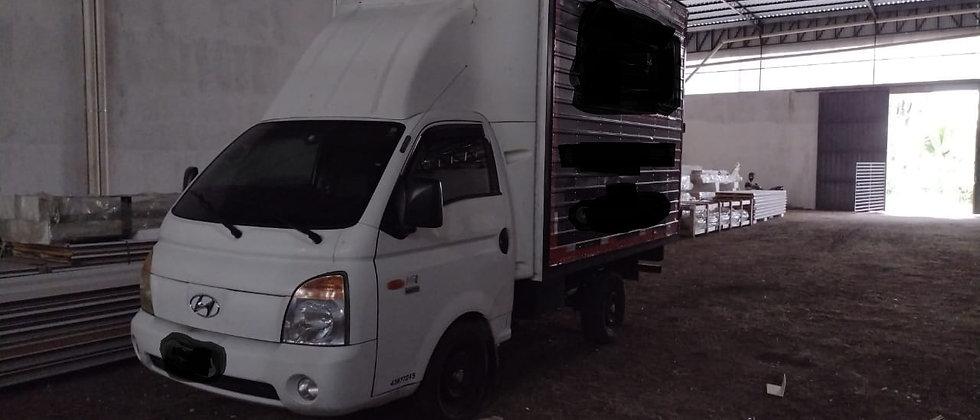 Hyndai HR - 2011 - 4X2 - Bau - Bom de Pneus