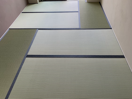 フローリング洋間に畳を敷き詰める