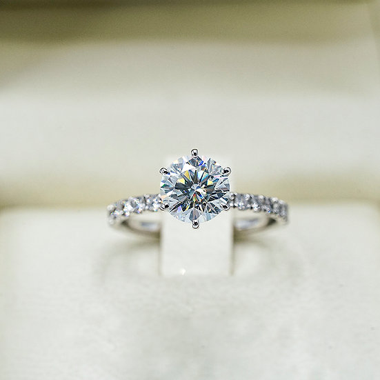 18k White Gold Moissanite and Hearts on Fire Engagement ring
