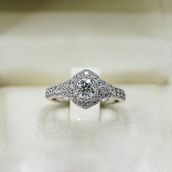 14k White Gold Vintage-Inspired Diamond Engagement ring
