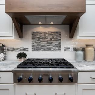 25-kitchen.jpg