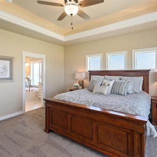 14-master-bedroom.jpg