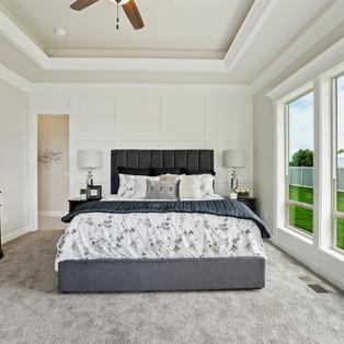 29-master-bedroom.jpg
