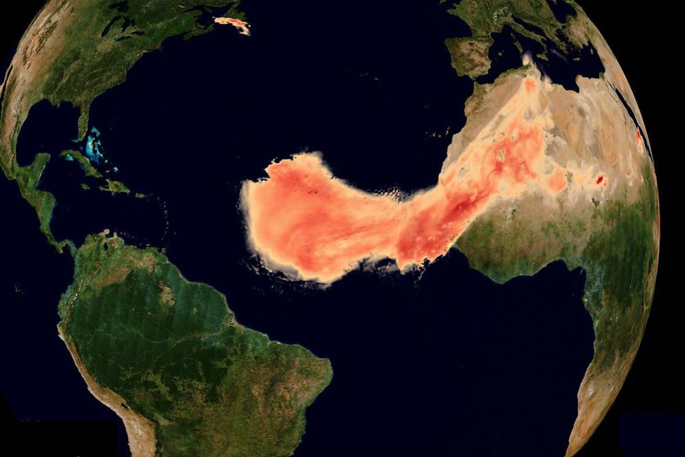 Nuvem de poeira do Saara vista por satélite