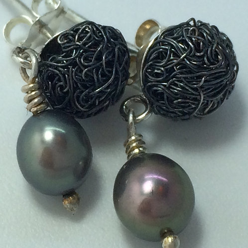 8mm Oxidised silver stud with pearl