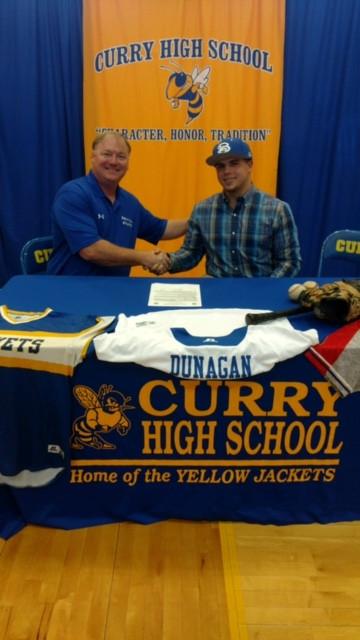 Photo of Caleb Dunnigan signing with Bevill State Baseball
