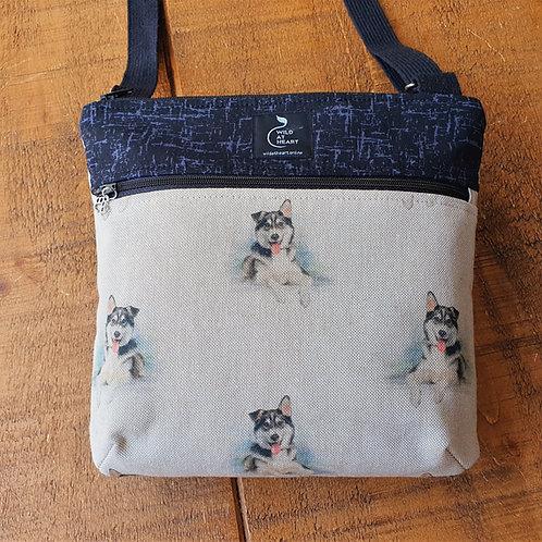 Huskey cross body bag with zips