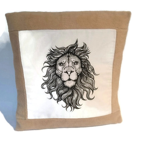 Lion cushion cover with border