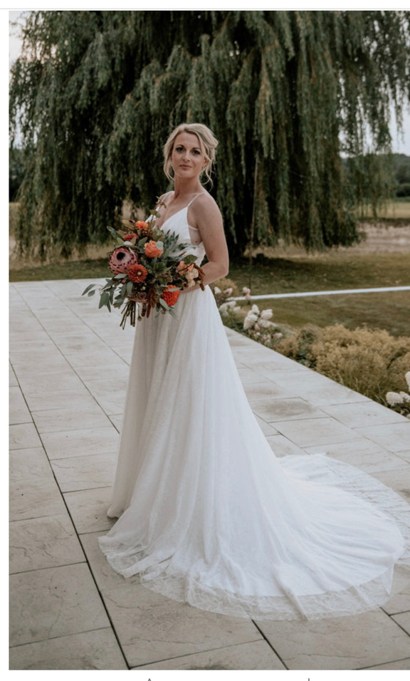 Photoshoot at Little green wedding barn