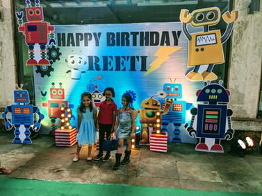 kids robotics bday party backdrop.jpg