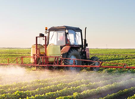 Indemnisation des victimes de pesticides : le gouvernement traîne-il-des pieds?