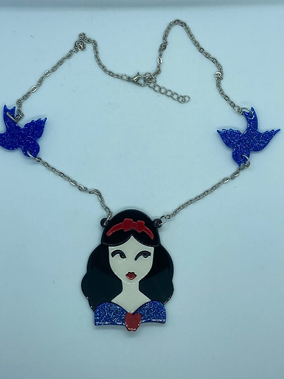 Snow White Face necklace