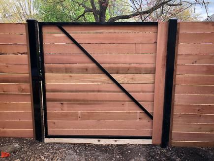 horizontal wood gate design