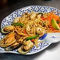 N11. Po Taek Lomein Seafood