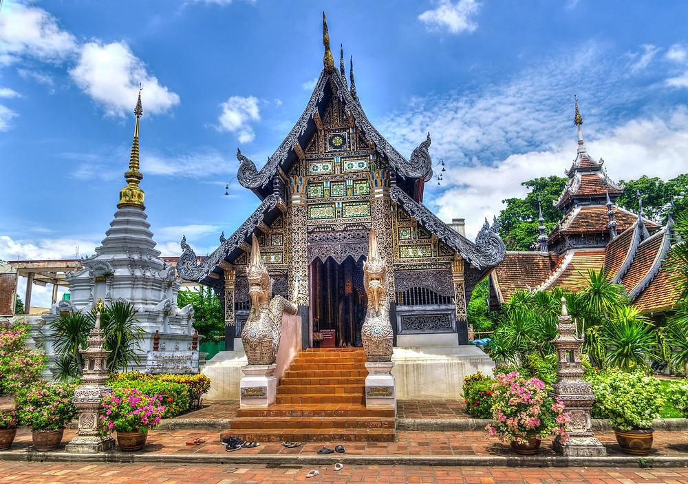 Foto de um templo em Chiang Mai, na Tailândia