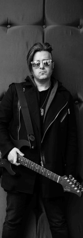 Marius - Guitars, Vox