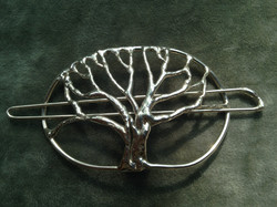 Tree barrette
