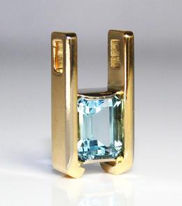 Aquamarine and Gold Pendant