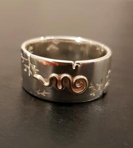 Unalome Ring side.jpg