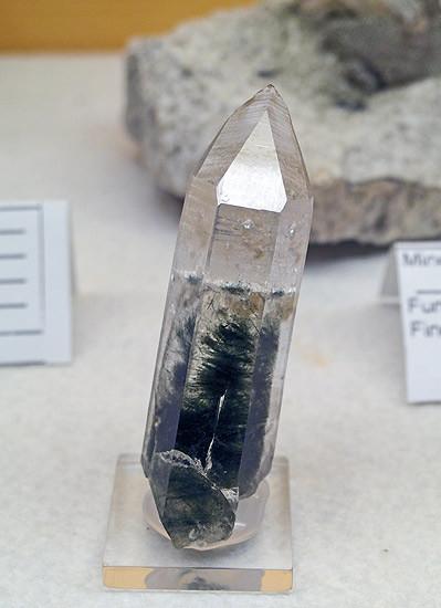 bergkristall_chlorit.jpg