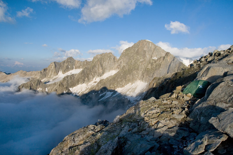 Aussicht von unserem Zeltplatz mit Blick ins Rhonetal
