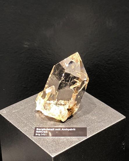 Bergkristall mit Anhydrit Röhren