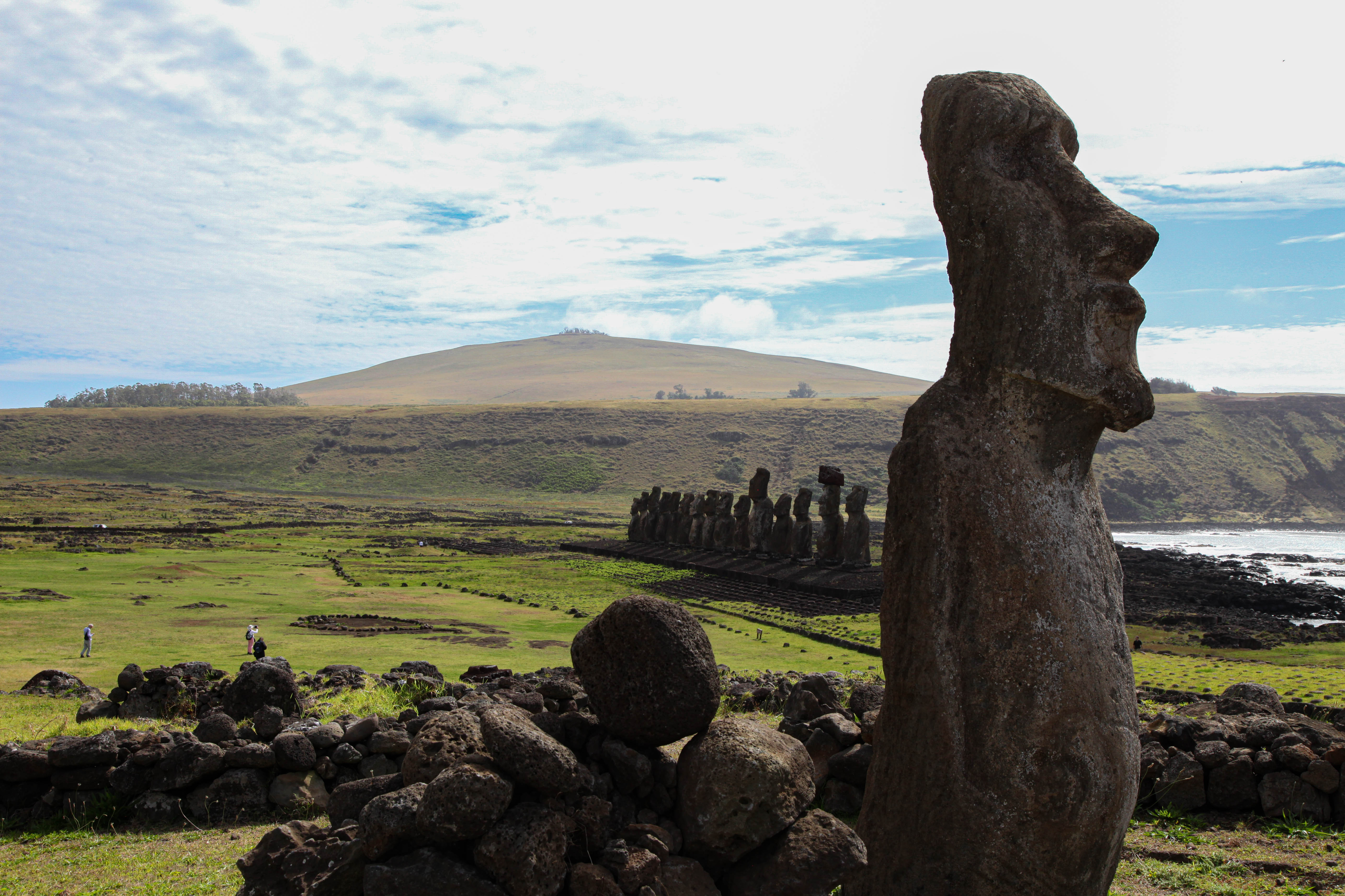 The travelling moai and Ahu Tongariki