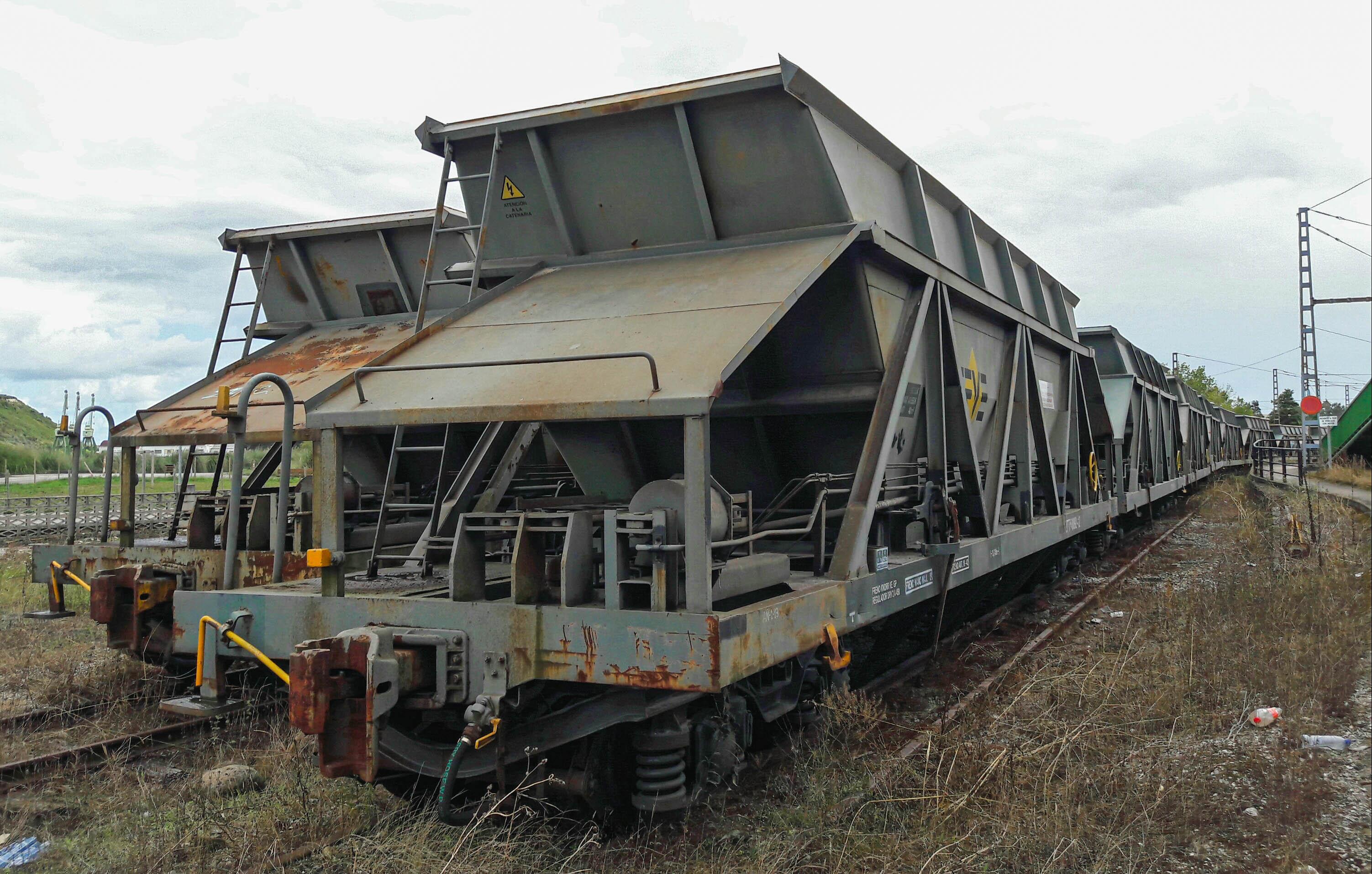 Freight trains at Requejada, Cantabria