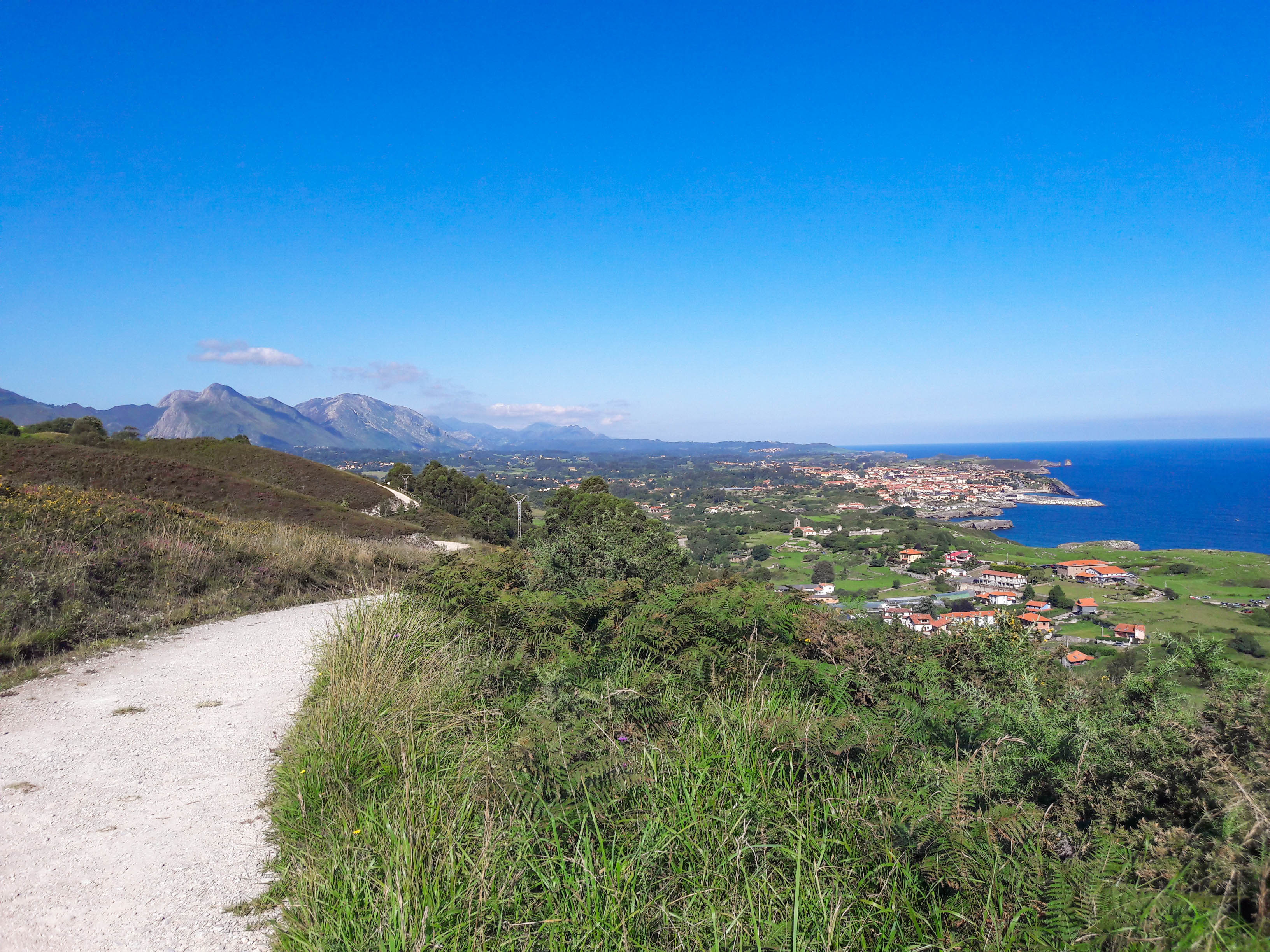 The approach to Llanes