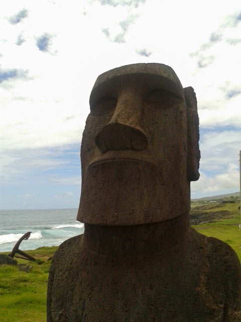 Moai near Hanga Vare Vare