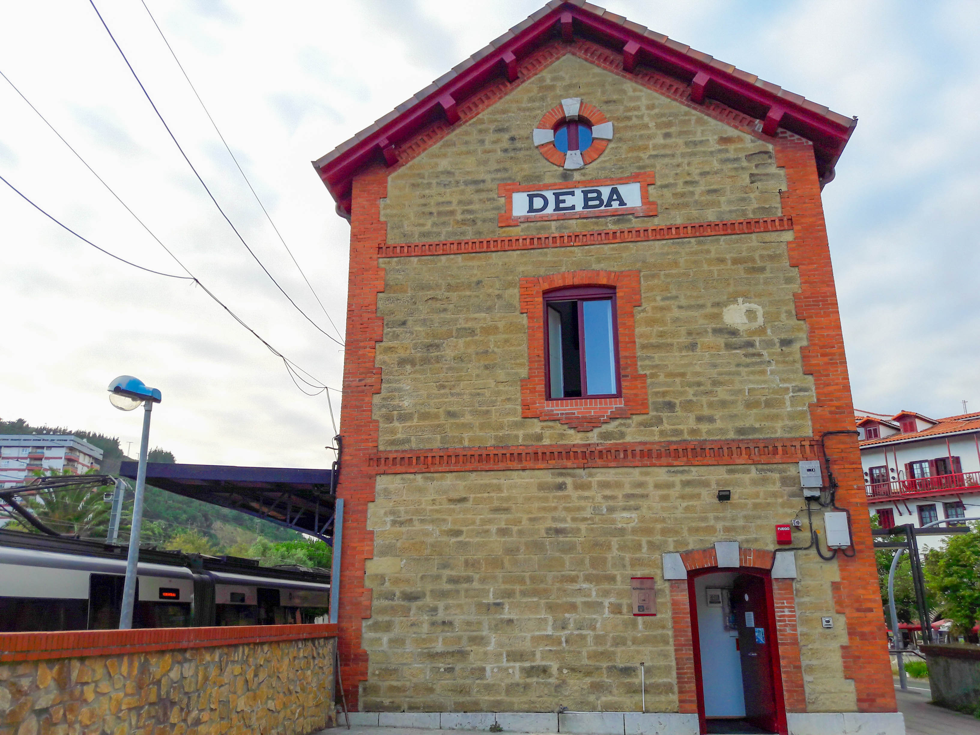 Albergue de Peregrinos, Deba (the old station)