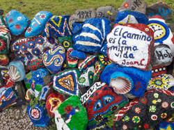 Camino messages just beyond Iglesia de Pría