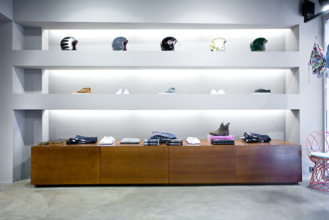 r25_Flagshipstore.jpg
