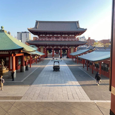 Experience Asakusa in an Interactive Virtual Tour with a Local