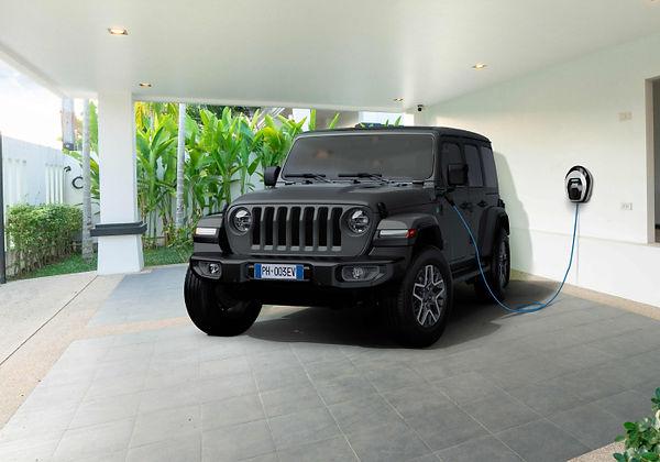 jeep-wrangler-4xe-rechargepump-dsk-700x4