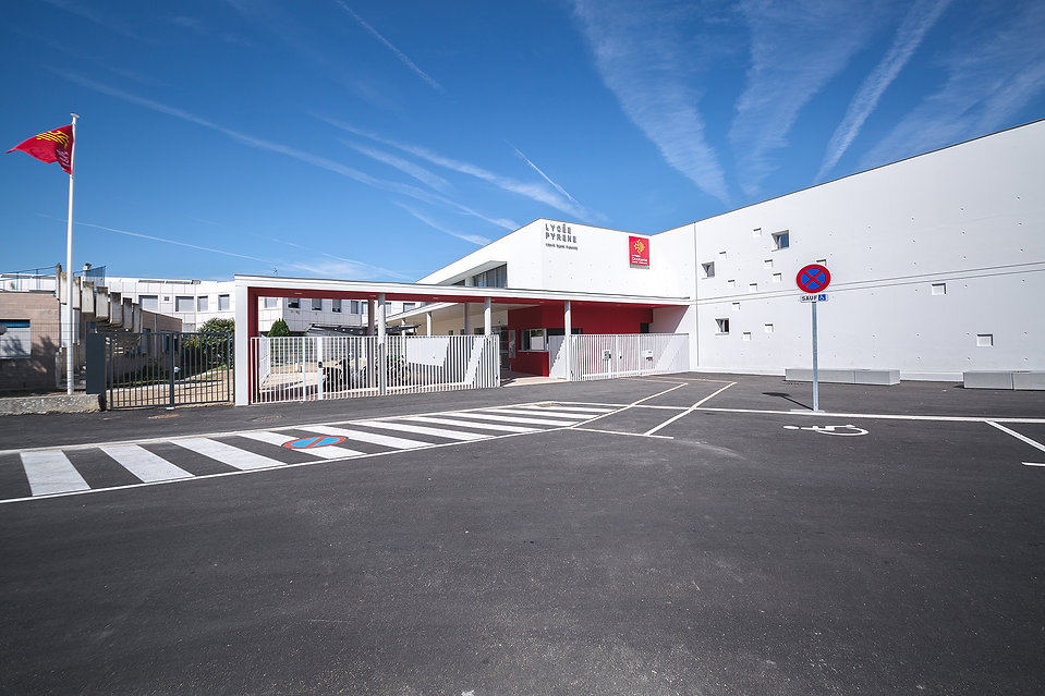 Extension Lycée Pyrène - Vue du parking - Rinaldi&Levade-Architectes Ariège et Toulouse