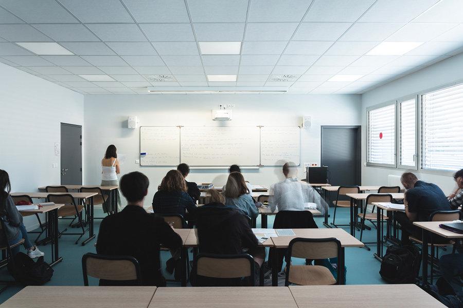 Extension Lycée Pyrène - Vue salle de classe - Rinaldi&Levade-Architectes Ariège et Toulouse