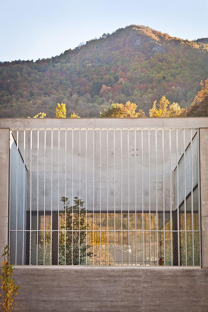 Cuisine Centrale Luzenac - détail patio - Rinaldi & Levade Architectes - architectes Ariège et Toulouse