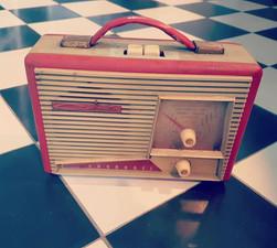 Radio ancienne réto brocante