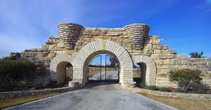 gatefront